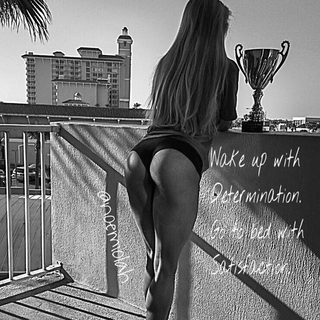 IFBB Bikini Pro noemiolah