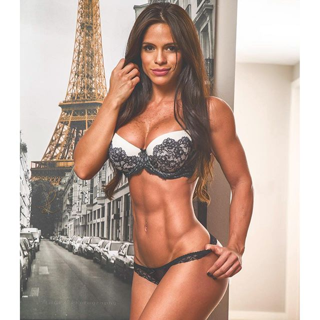 Michelle Lewin - michelle_lewin_ - The Fitness Girlz