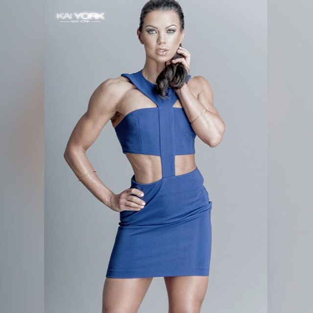 Susie Woffenden WBFF Pro - The Fitness Girlz