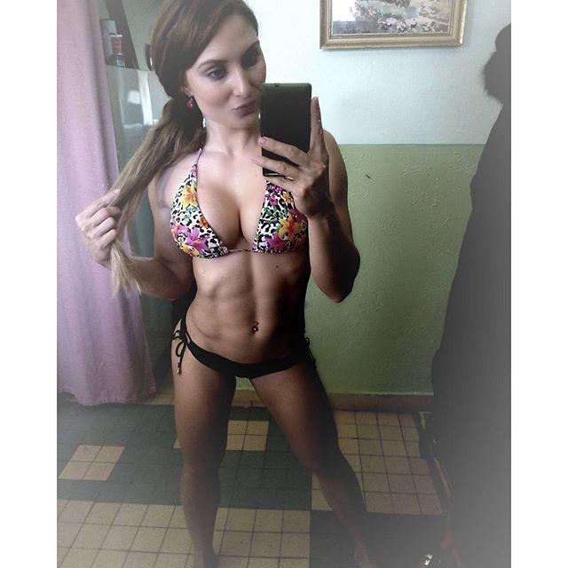 Adela Ondrejovicova IFBB PRO adelaondrejovicova