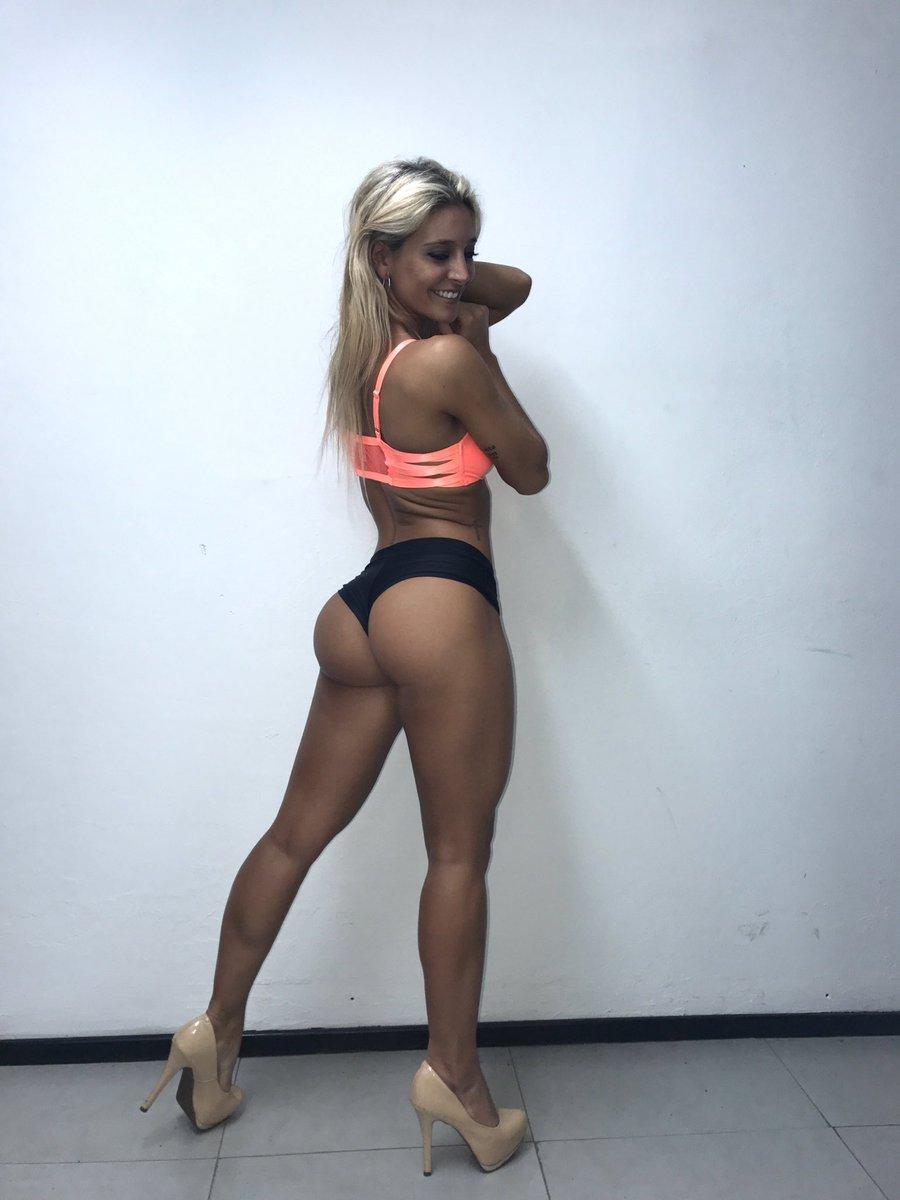 girl previews Naked